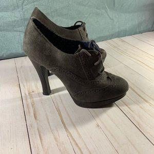 7 1/2  Women's Fioni Gray Suede High Heel